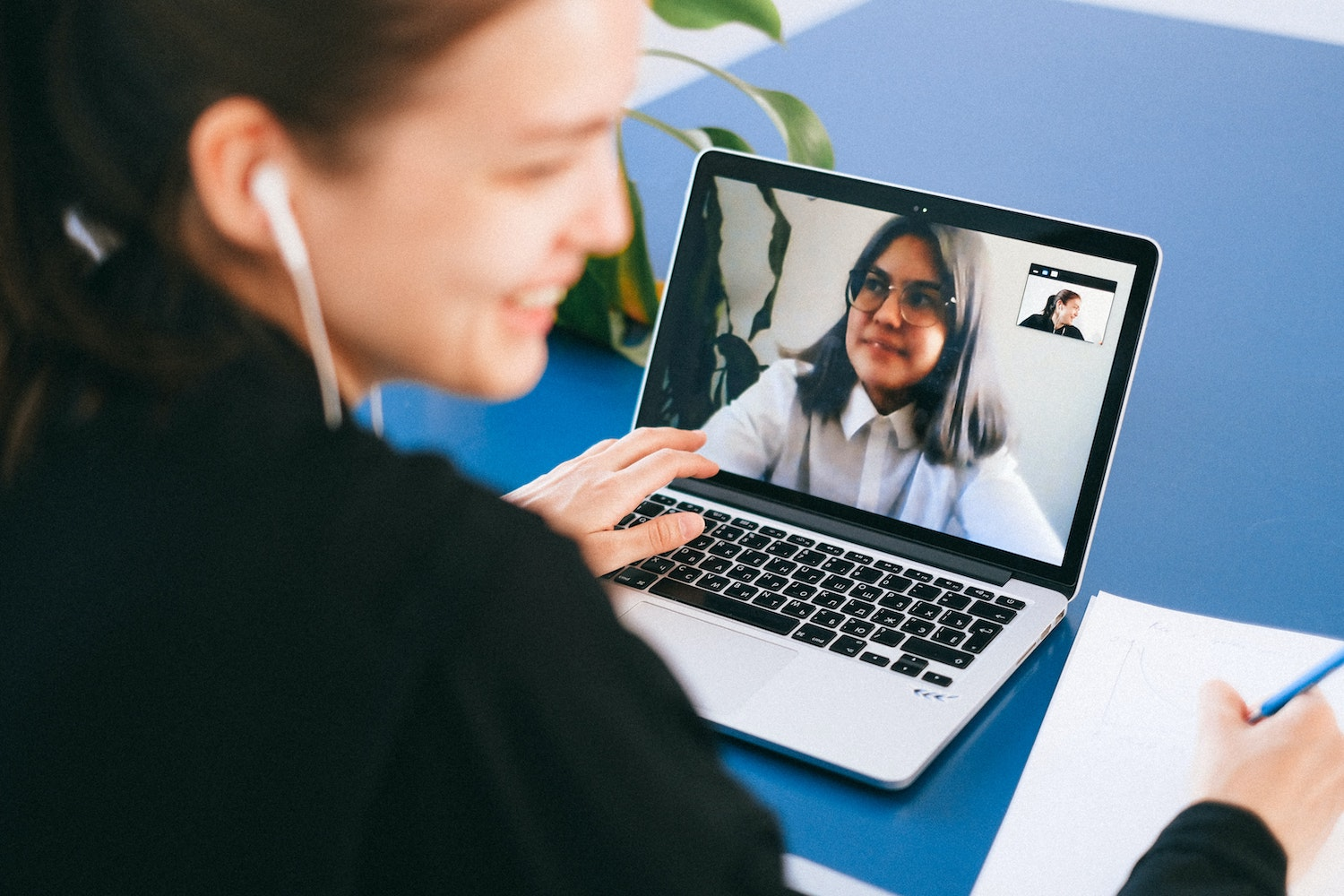 How to onboard candidates remotely